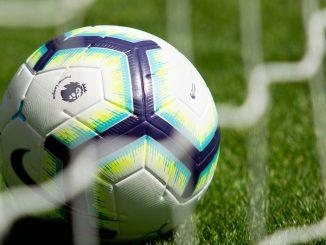 Premier League Ball in Goal