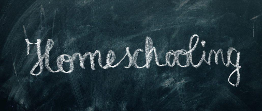 Homeschooling written in chalk on a chalk board